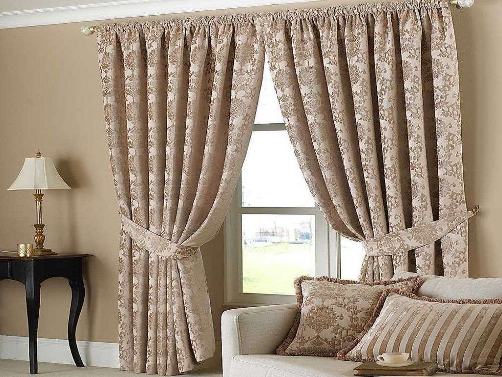 How Do You Pick The Right Curtains to Decorate Your Home?