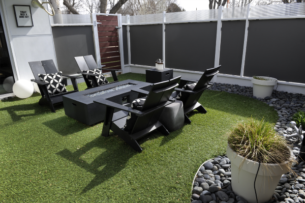 How Artificial Grass Installation at Home Lawn to Look Beautiful