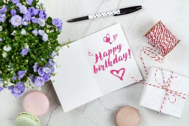 Try These Personalized Birthday Gifts Ideas To Delight Your Dear Ones!!